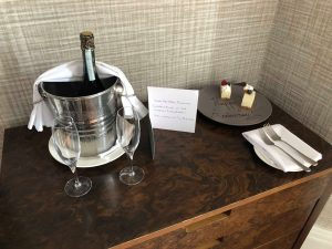 city break - cake, a card and a bottle of prosecco